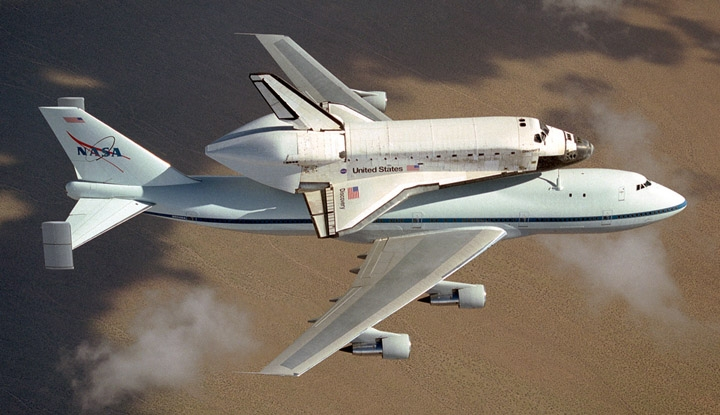 [Pics] Awe-Inspiring Photos of the Last Flight of Space Shuttle Discovery