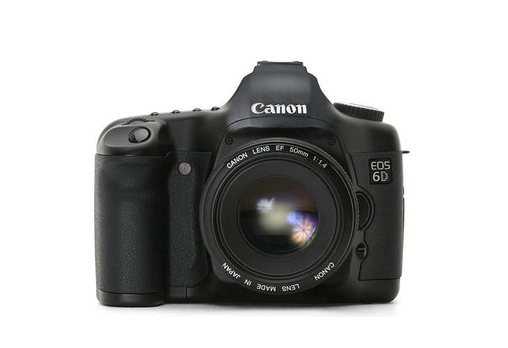 Rumored Canon 6D Specs