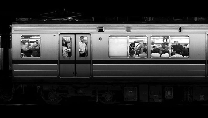 Amazing Slow Motion Video Of Subway Passengers