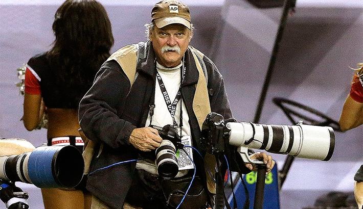 AP Photographer Dave Martin Passes Away After Football Game