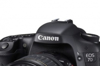 Mystery Camera at World Cup- Possible Sighting of the 7D Mark II
