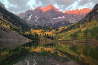 Sit Back And Enjoy The Fall Colors Of Aspen, Colorado In This Motion Timelapse