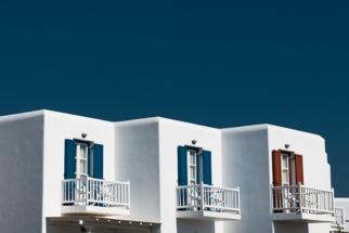 """Greece"" Series Showcases Gorgeous Color, Minimalist Detail"