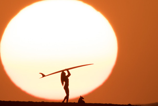 Aaron Eveland's Hawaiian Sunsets - Based on 'The Endless Summer' - Will Have You Booking an Immediate Flight to Hawaii