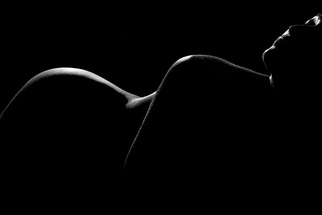 Three Go-To Poses for Fine Art Nudes (NSFW)