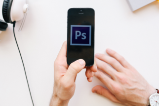 Adobe's Mobile Photoshop Application will be Released in October