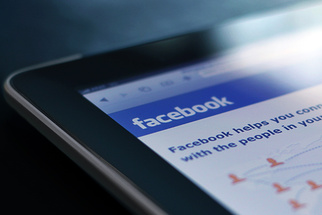 Quit Complaining and Grow Your Facebook Photography Page the Right Way