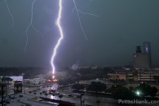 Insane Close Up Photo of Lightning Strike in Texas