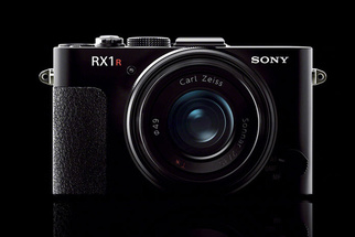 Hands-On with the Newly Announced Sony RX1R II