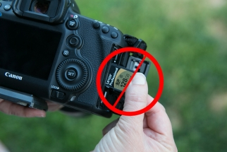 Using an SD and CF Card Simultaneously in your 5D MKIII Might Be a Bad Idea