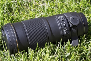 Fstoppers Reviews the Sigma 180mm f/2.8 Macro Lens