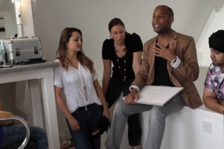 BTS Video of Incredible Maternity Shoot by Simeon Quarrie
