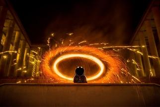 Behind The Scenes Video: Benjamin Von Wong Shoots Blazing Fine Art