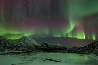 """Polar Spirits""  A Visually Stunning Timelapse Of The Northern Lights"