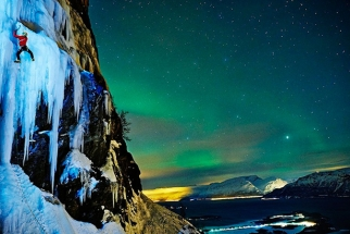Ray Demski Captures Ice Climbers Under The Northern Lights