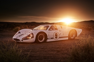 How Richard Thompson Photographed a Ford GT40 Mark IV with Only Natural Light