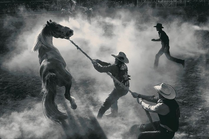 smithsonian-photo-contest-americana-rodeo-cowboys-george-burgin