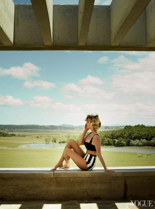 Kate Upton Vogue US June 2013-008