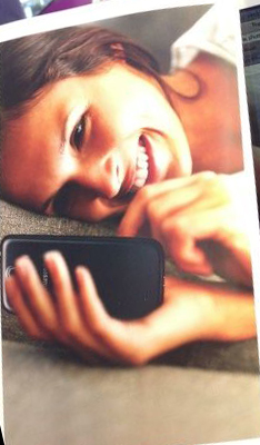 samsung photoshopped image of galaxy s4 over iphone