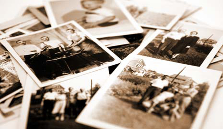 FStoppers_Davidgeffin_DeathFamilyalbum_family_photographs
