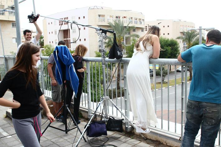 fstoppers-artwalk-wedding-invite1