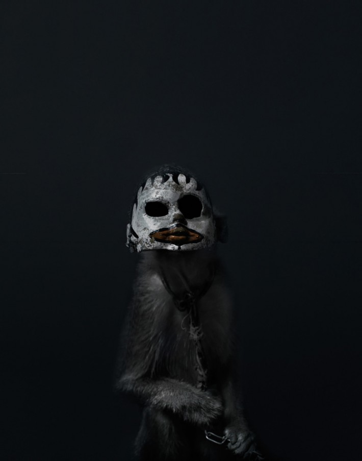 fstoppers Perttu Saksa monkey mask 08