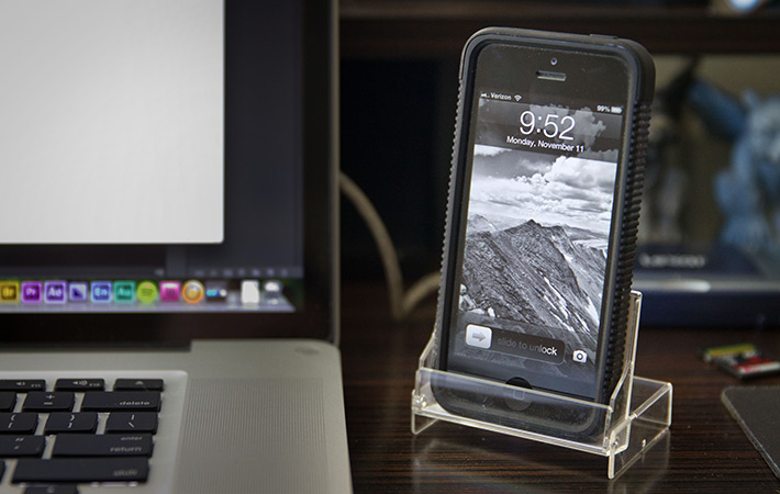fstoppers-home-office-smartphone