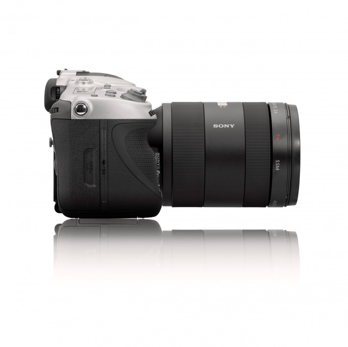 Fstoppers Hasselblad-HV_side_w