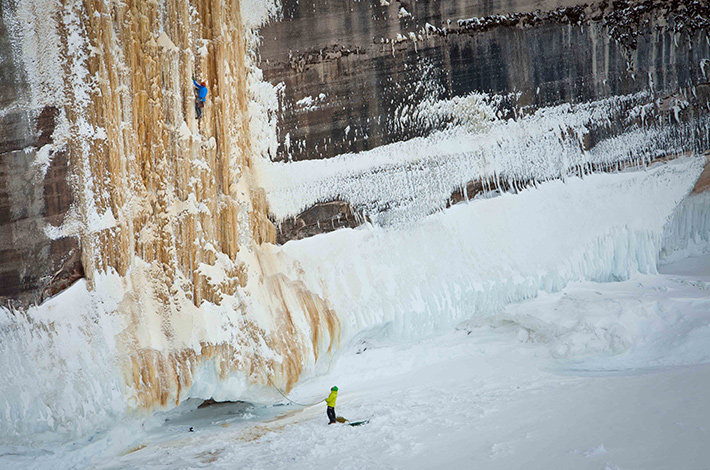 fstoppers-mike-wilkinson-ice-climbing-photo3