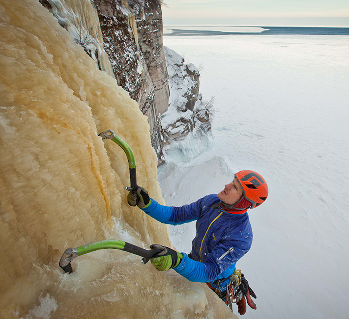 fstoppers-mike-wilkinson-ice-climbing-photo8