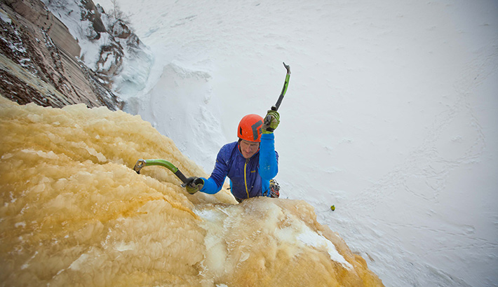 fstoppers-mike-wilkinson-ice-climbing-photo9
