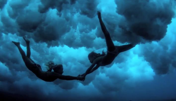 Austin_Rogers_Fstoppers_Sarah_Lee_Underwater_Photographer_1