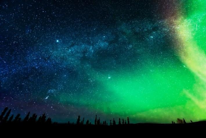 Technicolour-Alaska-Aurora-Fstoppers-Alexis-Coram (2)