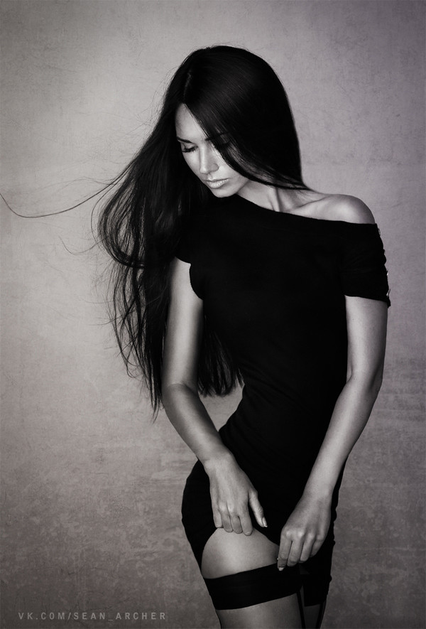 fstoppers-dani-diamond-sean-archer-stansilav-puchkovsky-natural-light-female-model-portrait-photographer10