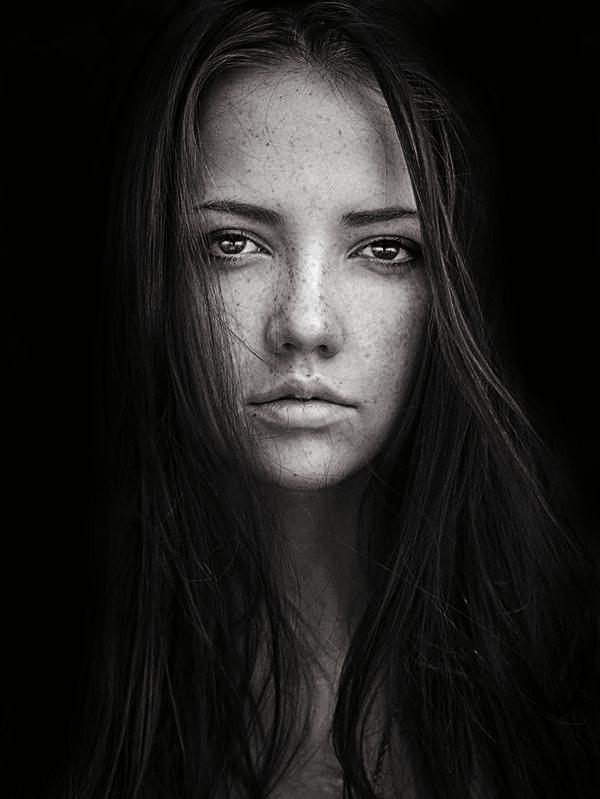 fstoppers-dani-diamond-sean-archer-stansilav-puchkovsky-natural-light-female-model-portrait-photographer12