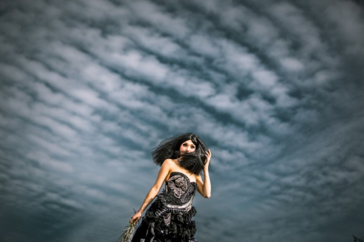 Wearable-Art-Fstoppers-Laura-Grier-Fashion-Editorial-Photoshoot (9)