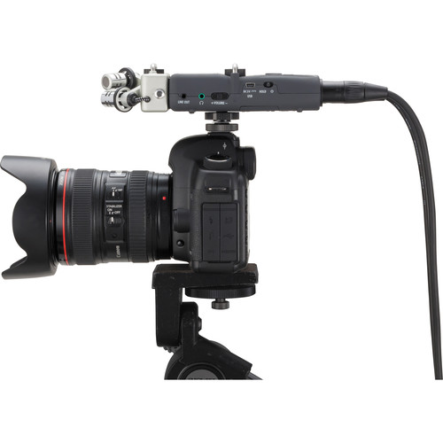 zoom h5 handy recorder attached to dslr side